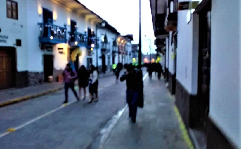 Calle Plateros, 5:42 a.m.